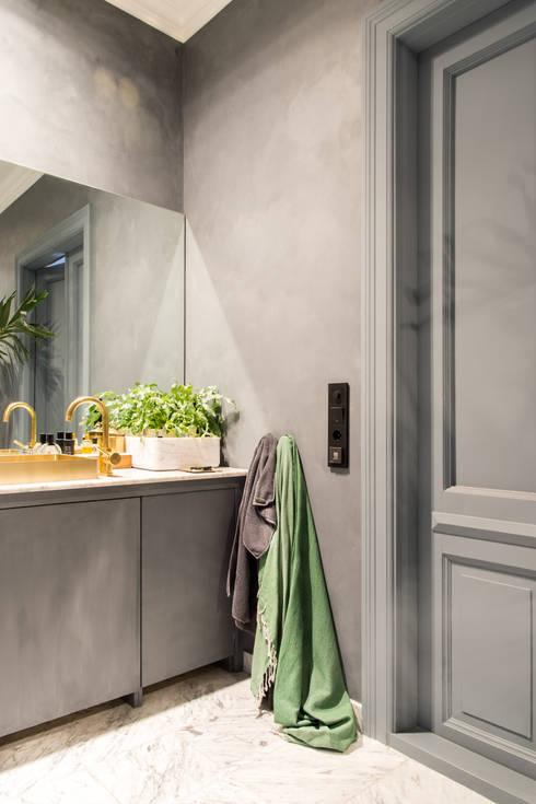 Licht appartement met oude elementen door Pure & Original | homify