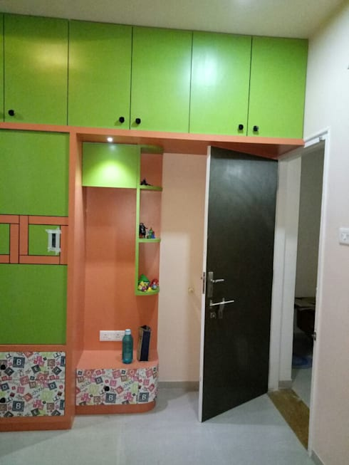 Kids Room at Laksh Icon Anand: modern Bedroom by AOM Interior
