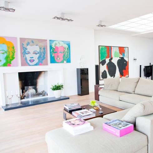 openhaard: minimalistische Woonkamer door Archstudio Architecten | Villa's en interieur
