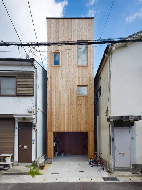 Casas de estilo  por 藤原・室 建築設計事務所