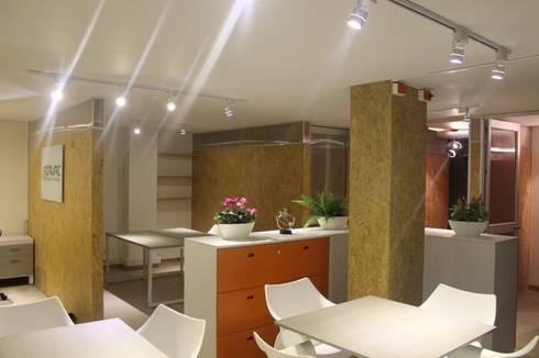 MÓDULOS DE TRABAJO 2: Oficinas y Tiendas de estilo  por IngeniARQ