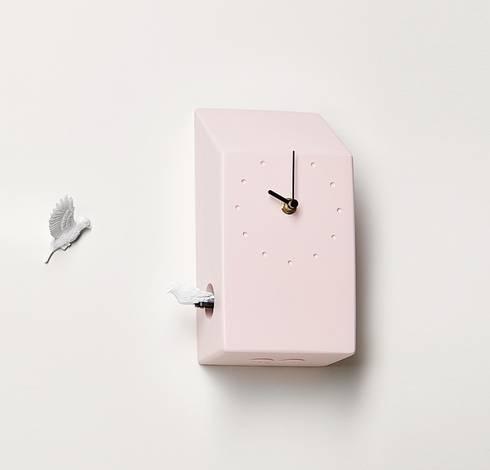 Haoshi Cuckoo X CLOCK - Home(Pink) Wall Clock: modern Living room by Just For Clocks