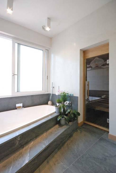 modern Bathroom by silvestri architettura