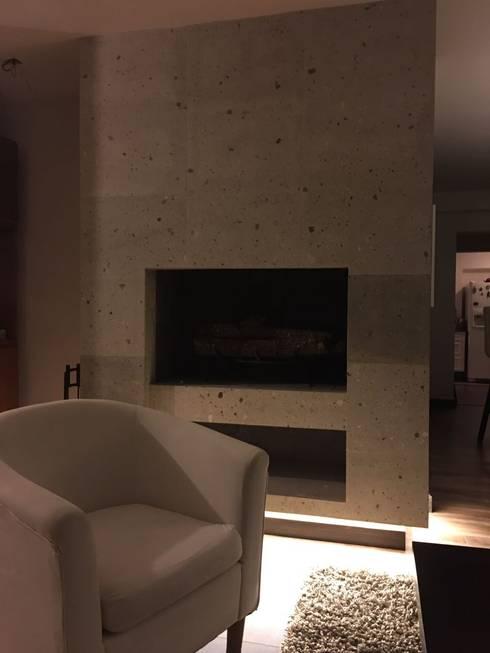chimenea: Salas de estilo  por Arq. Beatriz Gómez G.