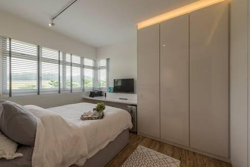 Design & Build: New HDB @ Sumang Link (Eclectic): eclectic Bedroom by erstudio Pte Ltd