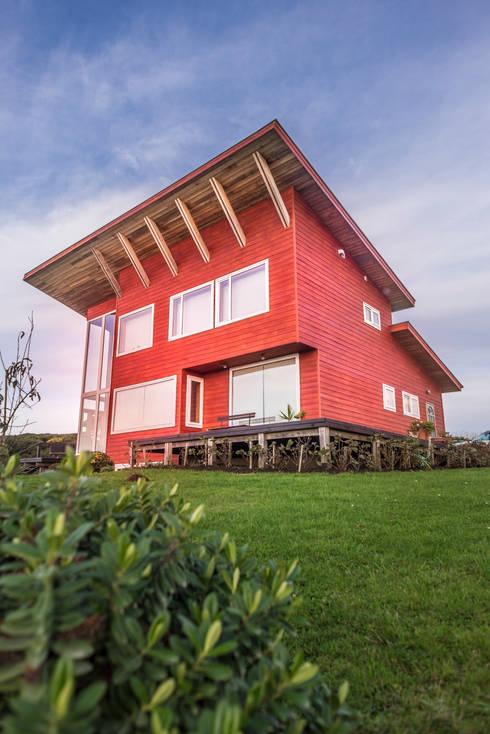 Casa Mirador: Casas de estilo rural por Almazan Arquitectura y Construcción