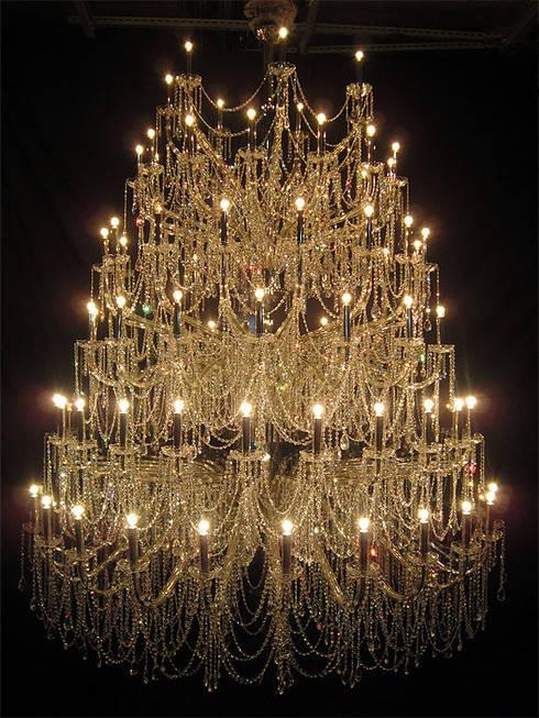 Chandelier:  辦公空間與店舖 by ABOON custom lightings