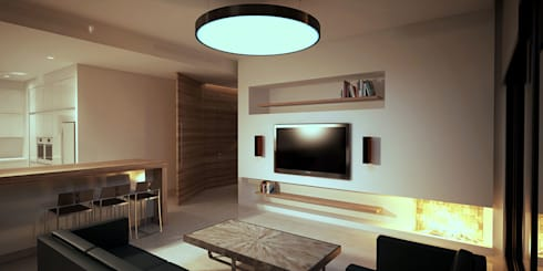R.S. Residence Interior: modern Living room by Uraiqat Architects