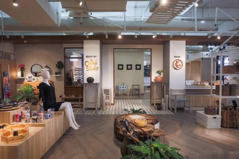 The Onnie Studio:  Kantor & toko by EIGHT IDEA