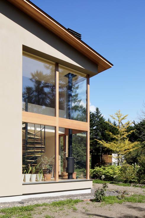 atelier137 ARCHITECTURAL DESIGN OFFICE의  창문