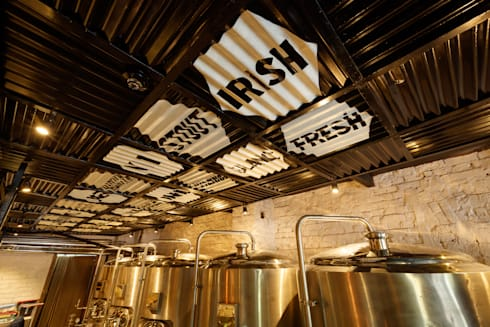 Ministry of Beer, CP Delhi:  Bars & clubs by Studio Interiors Infra Height Pvt Ltd