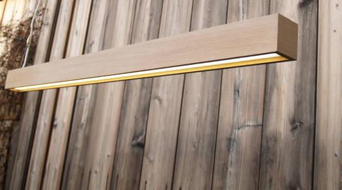 Pendelleuchte Design The Oak: moderne Wohnzimmer von Lignalux