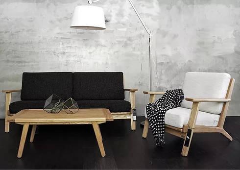 免費家具配置諮詢服務:  客廳 by M.W JOINTS |罕氏家居