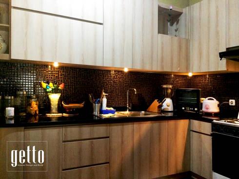 Villa Melati Mas BSD, Tangerang:  Dapur built in by Getto_id