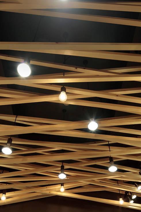 محلات تجارية تنفيذ 稲山貴則 建築設計事務所