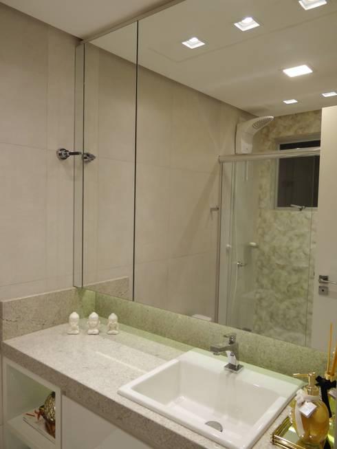 Banheiro Social - APT JR: Banheiros  por Arching - Arquitetos Associados