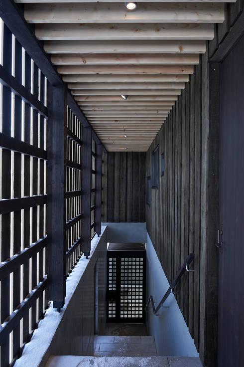 アトリエモノゴト 一級建築士事務所의  복도 & 현관