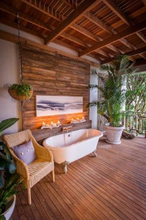 Beach Front House: eclectic Bathroom by JSD Interiors