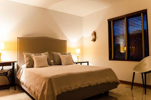 Habitación Secundaria 1/2: Habitaciones de estilo ecléctico por Tejero & Ángel Diseño de Interiores