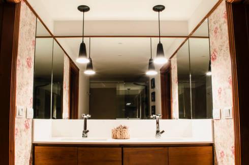 Baño Secundario: Baños de estilo ecléctico por Tejero & Ángel Diseño de Interiores