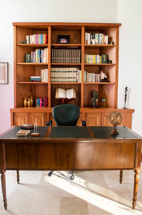Oficina Propietaria: Estudios y despachos de estilo ecléctico por Tejero & Ángel Diseño de Interiores