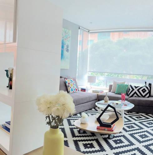 Salas/Recibidores de estilo  por D Interior