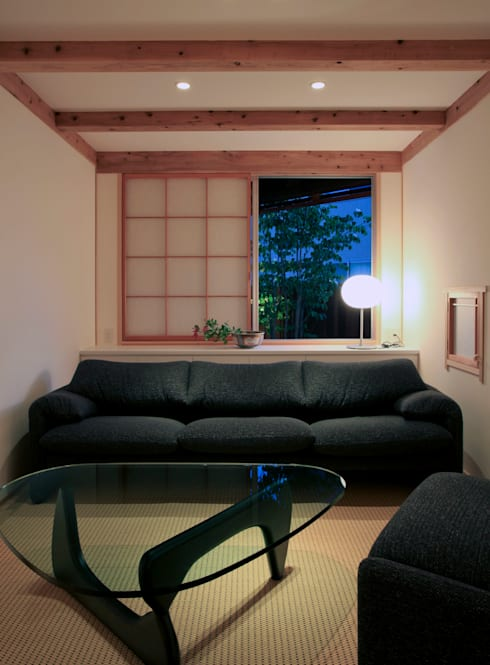 Ruang Keluarga by 髙岡建築研究室