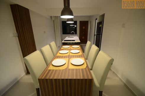3 Room HDB Flat Knock Out:  Kitchen units by Designer House