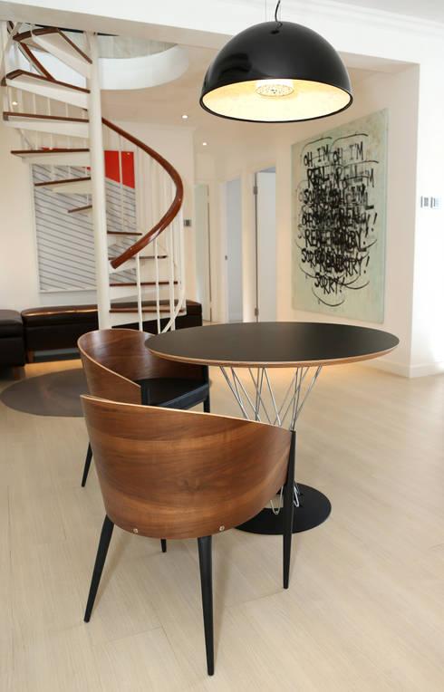 Corridor & hallway by B Squared Design Ltd.