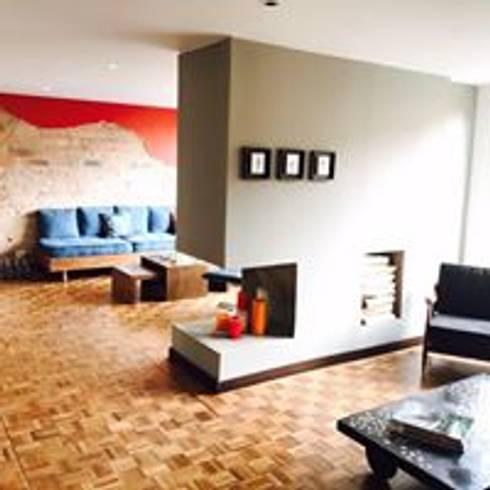 Apartamento BogotaBogota: Salas de estilo ecléctico por Heritage Design Group