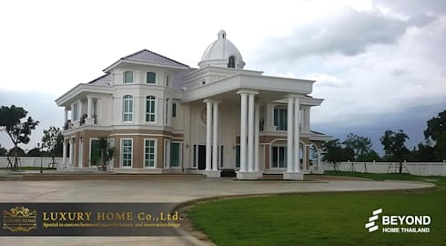 NEO-CLASSIC 2-STOREY HOMES:  บ้านและที่อยู่อาศัย by HOME