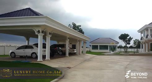 NEO-CLASSIC 2-STOREY HOMES:  โรงจอดรถ by HOME