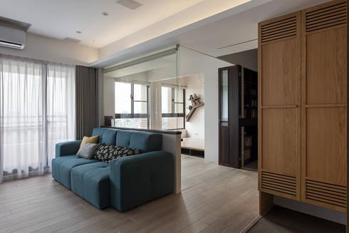 書房隔間:  書房/辦公室 by 禾光室內裝修設計 ─ Her Guang Design