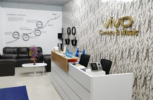 Office Space Interior Design:  Office buildings by Scale Inch Pvt. Ltd.