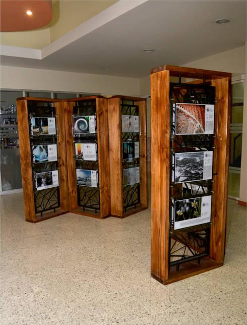 EXPOSICIÓN VICERECTORÍA PUCV: Arte de estilo  por Gen Arquitectura & Diseño