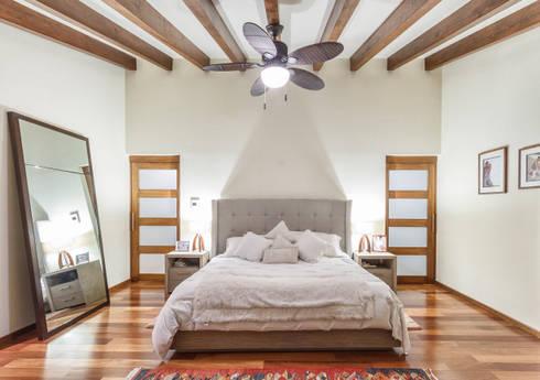 Habitación: Recámaras de estilo moderno por SANTIAGO PARDO ARQUITECTO