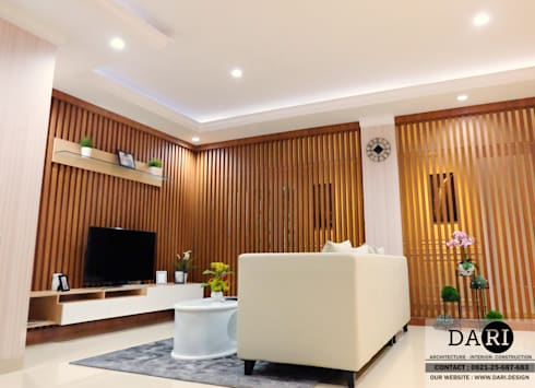 living room partition:  Living room by DARI