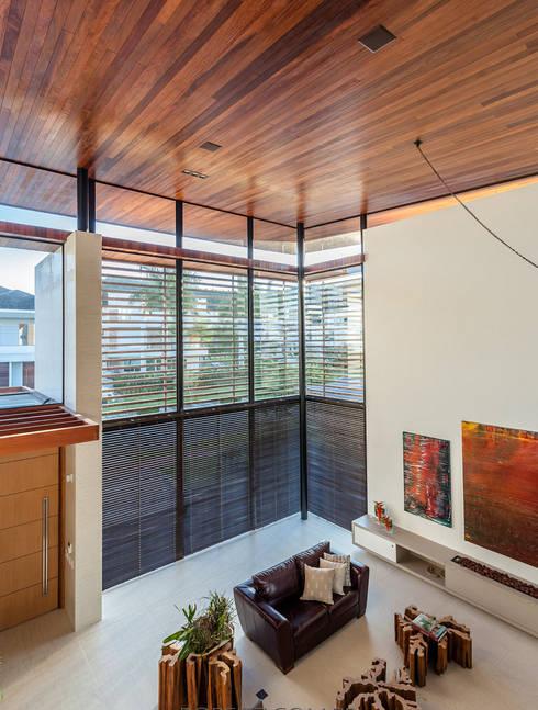 Windows by Ruschel Arquitetura e Urbanismo