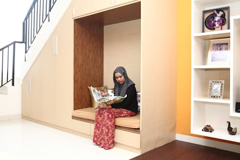 A Traveller House : modern Corridor, hallway & stairs by a+Plan Architect and Interior Works