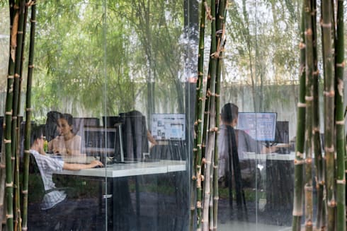 Văn phòng MIA DESIGN STUDIO:  Tòa nhà văn phòng by MIA Design Studio