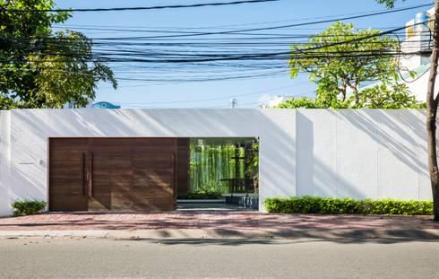 Nhà hộc kéo – Drawers House:  Khách sạn by MIA Design Studio