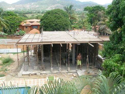 CASA VACACIONAL EN EL CARIBE: Anexos de estilo moderno por Proyectonica