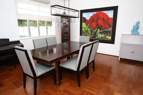 Repulse Bay Living/Dining Room: modern Dining room by B Squared Design Ltd.
