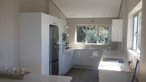 Kitchen Revamp And Tiled Sea Point:   by CPT Painters / Painting Contractors in Cape Town