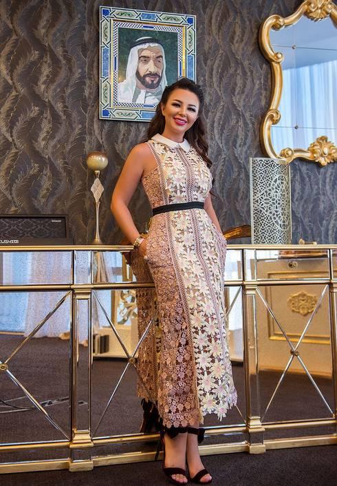 Luxury interior design projects in Dubai UAE from Katrina Antonovich:  Corridor & hallway by Luxury Antonovich Design