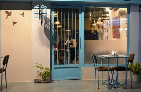Entry Door:  Hotels by Ashoka Design Studio, Jaipur
