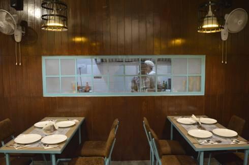Live Kitchen Window:  Hotels by Ashoka Design Studio, Jaipur