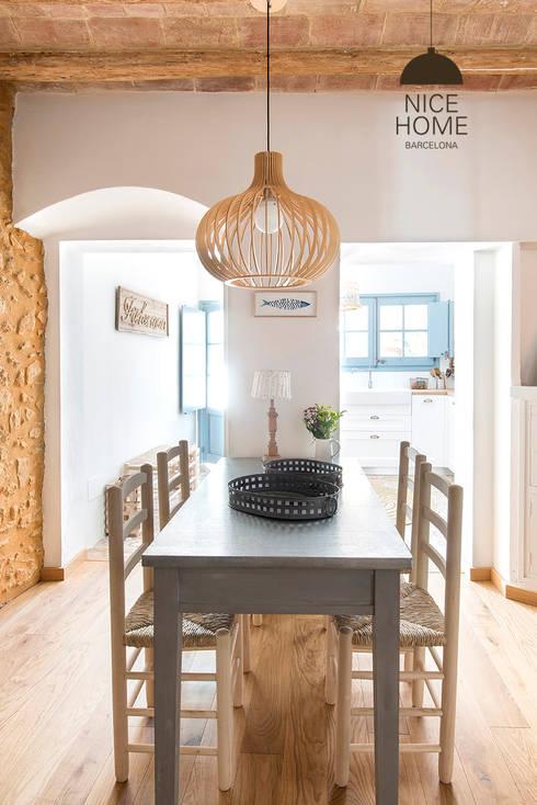 Phòng khách by Nice home barcelona