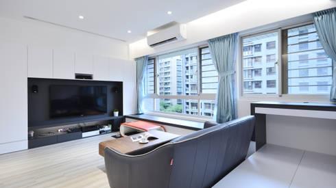 現代和樂舒適風:  客廳 by 瓦悅設計有限公司