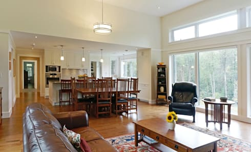 Credit River Valley House - Great Room: country Living room by Solares Architecture